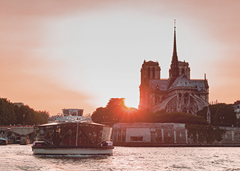Valentine's Day Dinner Cruise in Paris