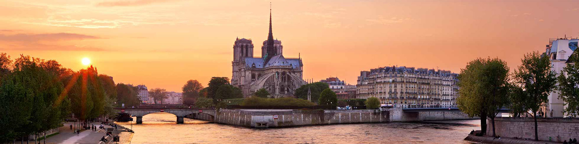 Cruise on the Seine with Bateaux Mouches