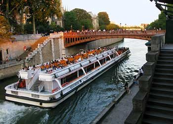 船 Le Mulet Coureau